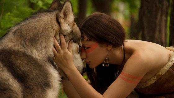 kobieta-mocy-z-wilkiem.jpg